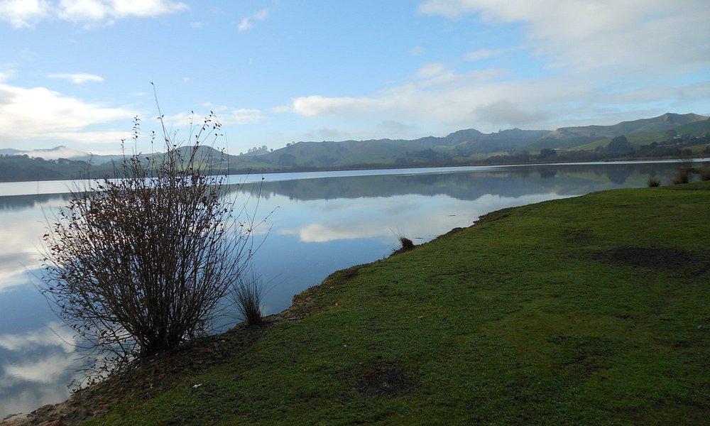 The peaceful lake Hakanoa