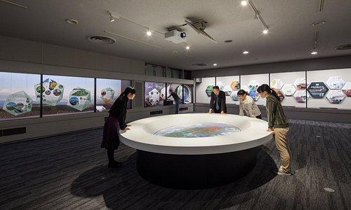伊豆半島の魅力を紹介するプロジェクションマッピング