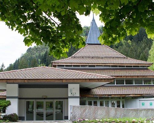 """L'edificio """"Valle"""" in cui si trovano la reception e l'area curativa di fango-balneoterapia"""