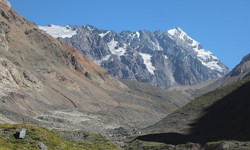 to the hanging glacier El Morado