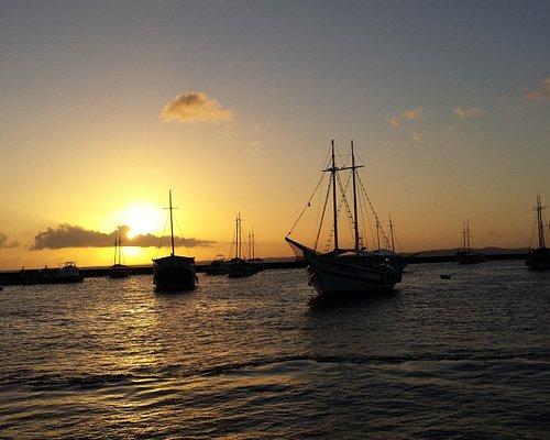 Chegada ao Terminal Marítimo de Salvador ao pôr do sol