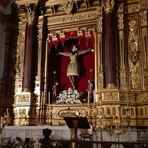 Altar mayor del templo