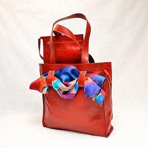 Scarf bag :  la shopping bag che si può personalizzare con un foulard in seta.