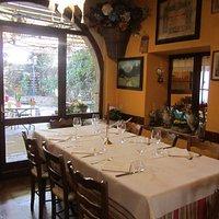 Uno dei tavoli dell'Osteria.