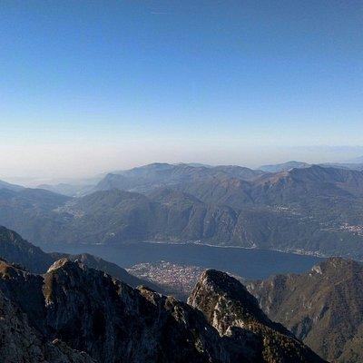 Grigna Rif Brioschi,salita al rifugio e vista panoramica.