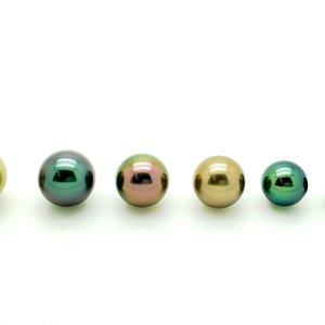 Les perles noires de Tahiti peuvent être très colorées.