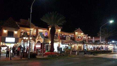 Комплекс собирает туристов со всех ближайших гостиниц