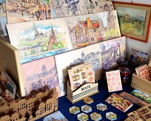 here is a showroom from the artist artworks. Here are originals and design products from his art