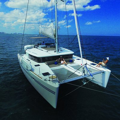450F LAGOON Catamaran for day and week charters