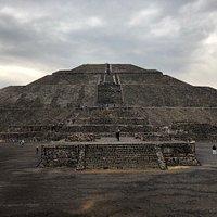la piramide de la Luna en un día lluvioso