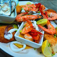 Our famous seafood platter for 2