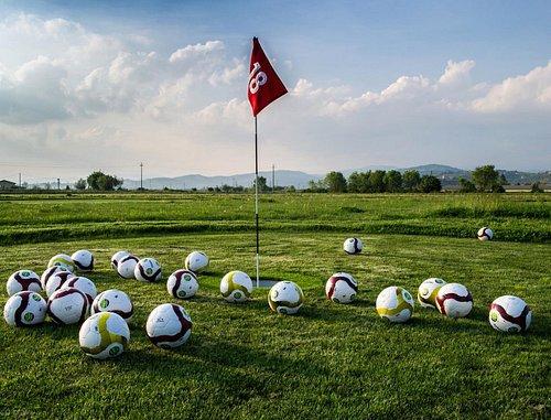 """FootgolfPark: il gioco del calcio """"mixato"""" al Golf!"""