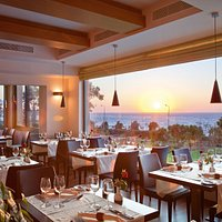 Gourmet mediterranean flavours and views.