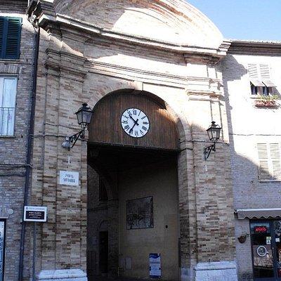 Porta Vittoria o Porta Marina