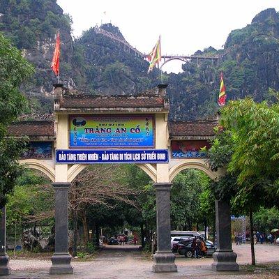 Cổng Khu du lịch Tràng An Cổ