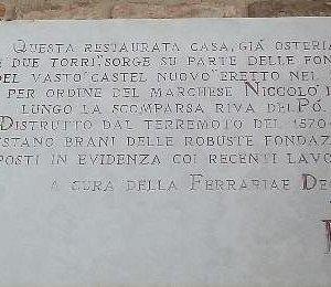 Targa della F.D. a riguardo dell'area fondazioni Castel Nuovo