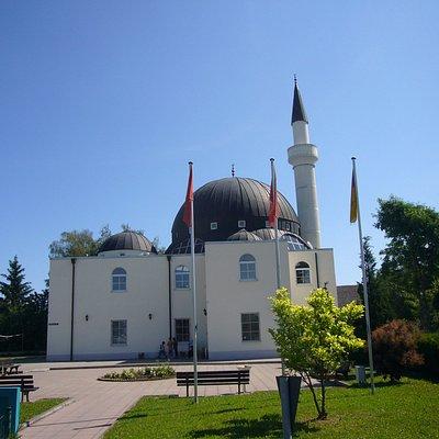 Hicret Camii Moschee mit Kulturzentrum der türkischen Gemeinde.