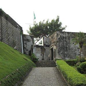 guia-fort-near-the-municipal.jpg?w=300&h=300&s=1
