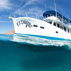 El Duque at anchor