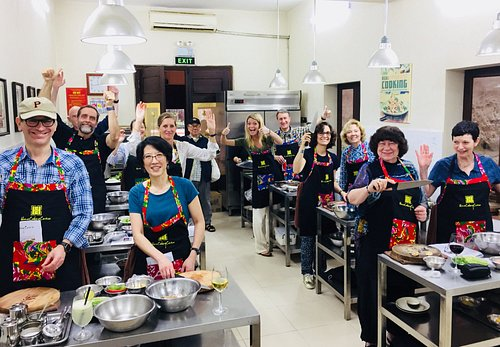 Our classes are designed for fun, relaxing and authentic Vietnamese tradition cooking experience