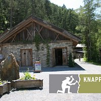 Eingangsbereich und Logo des Bergbau-Freilichtmuseums.