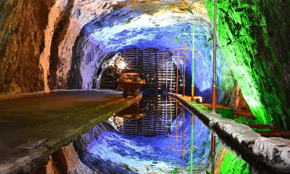 Espejo de agua, el reflejo del techo se da en el agua del tanque siendo aumentado de forma cónca