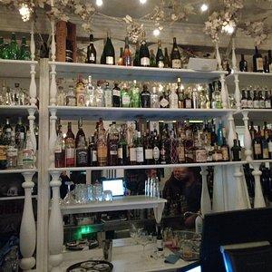 Il muro degli alcolici