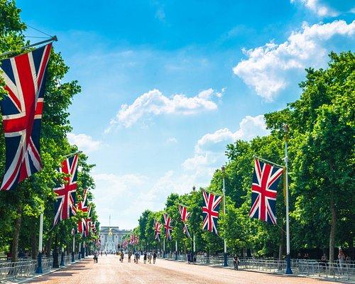 The Mall leading down to beautiful Buckingham Palace