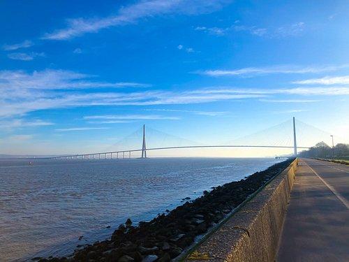 le pont vu à pied