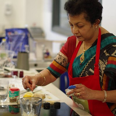 Sharmini Thomas cookery classes