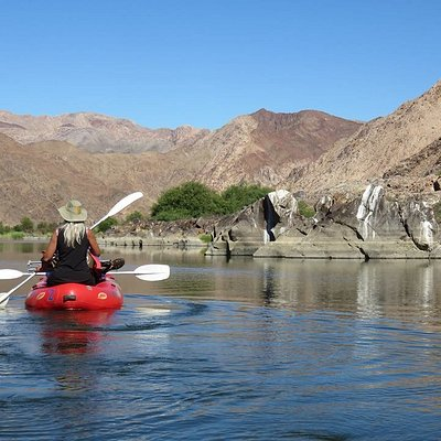 Rowing on the Orange River, be sure to pack a hat!