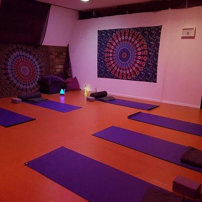 Yogales op dinsdag, donderdag & zaterdag in 'Sauna de Bongerd in Oostwoud'. Keuze uit Yin, Hatha