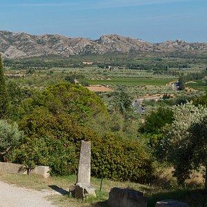 Ausblick von Baux-de-Provence auf die Alpillen und die Ebene