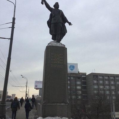 """Мост """"Победы"""" - вид в центр"""