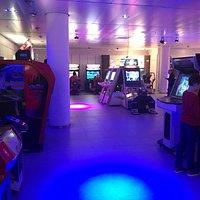 Arcade hal