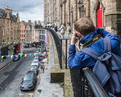 Enjoy the sweeping lines of Victoria Street