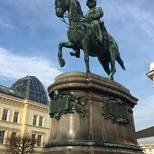 Archduke Albert Equestrian Statue (2)