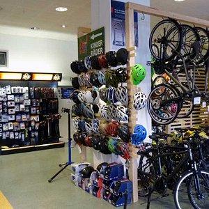 Fahrradladen Radwelt in Berlin-Mitte, Leipziger Straße 56, 10117 Berlin >>>