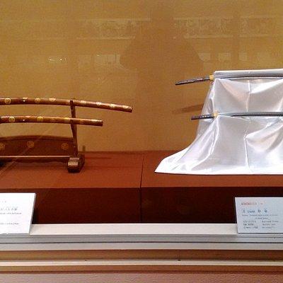 徳川慶喜佩用の大小、右が刀身、左が外装です