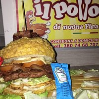 Panino croccante hamburger bacon provola insalata e pomodoro 🔝🔝🔝🔝🔝 Il nonna Pina