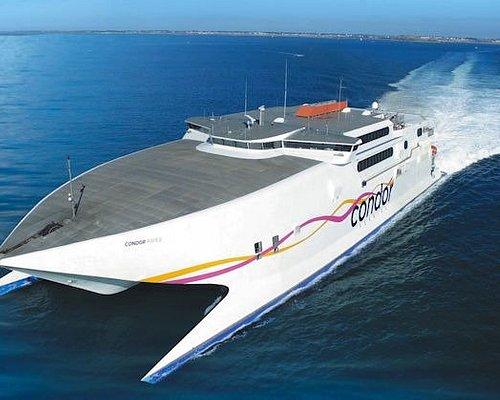 Le Condor Rapide assure les liaisons entre Saint-MAlo, Jersey et Guernesey.
