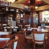 Pappadeaux - IAH Gate E3 - Dining Area