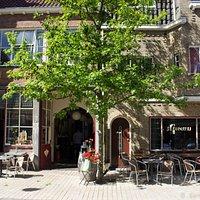 De Burgerij: brasserie, delicatessenwinkel en B&B
