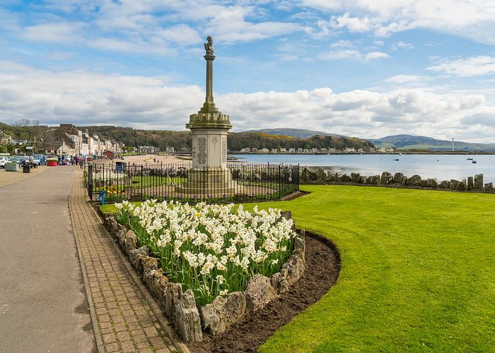 Millport seafront on the island of Great Cumbrae, Ayrshire. © Kenny Lam, All rights reserved.