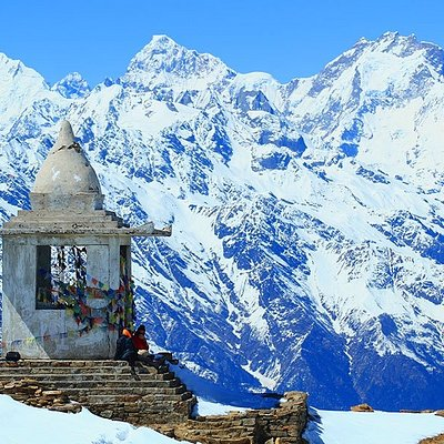 Temple at the height of 4100 m on the way to Gosaikunda trek