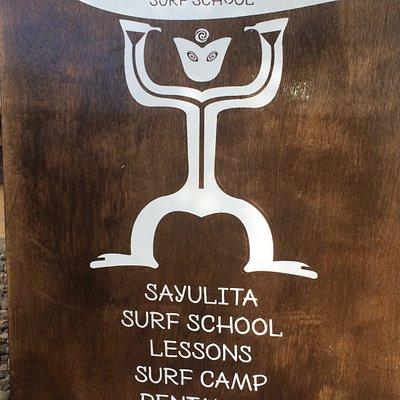 Vive para surfear y surfear para vivir