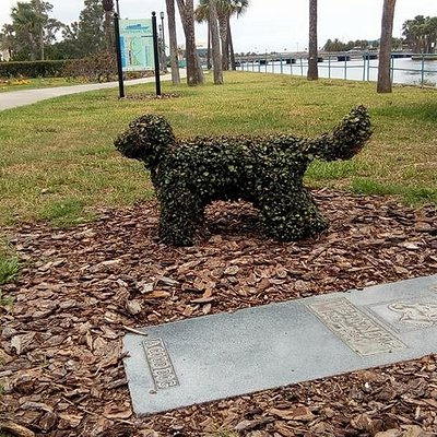 Brownie's Grave is right on the beautiful Halifax River.