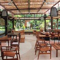 Chinamoon Table