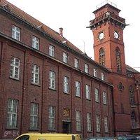 Budynek Poczty od wschodu.