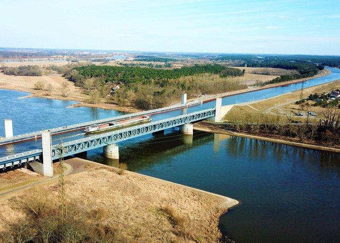 Elbe und Elbe Havel Kanal kreuzen sich